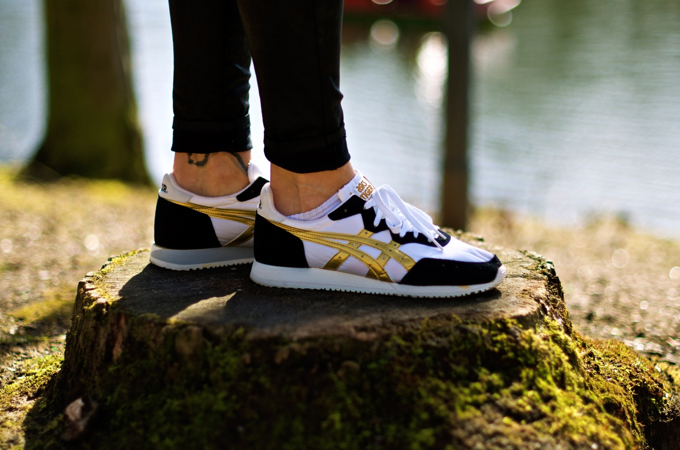 Asics Onitsuka Tiger Lady Jayhawk On Feet Dead Stock