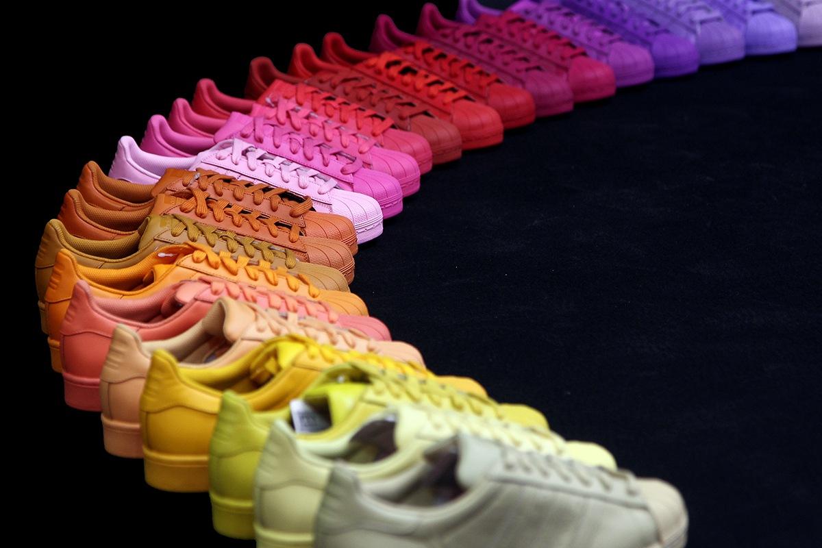 adidas verlost alle 50 Farben der Pharrell Williams Kollabo