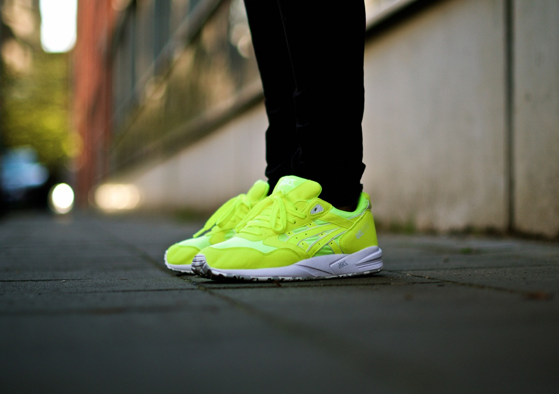 asics-summer-kite-neon01