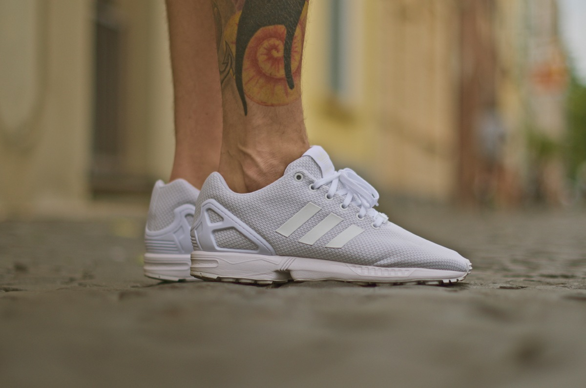 10adidas-zxflux-all-white