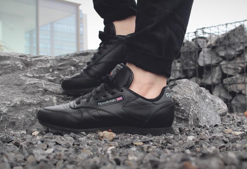0c48555369b Buy reebok classic leather black on feet