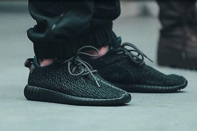 adidas-Yeezy-350-Boost-Low-black-4