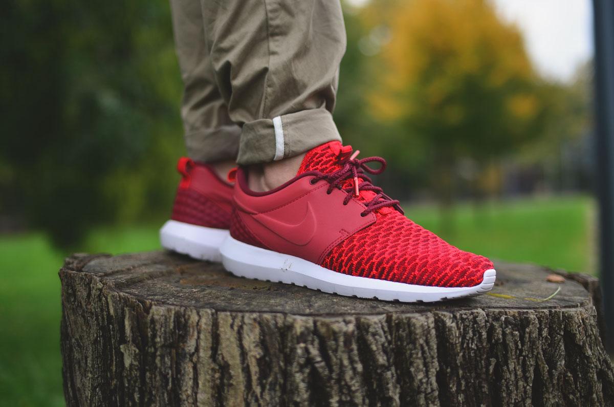 Nike Roshe Flyknit Rot