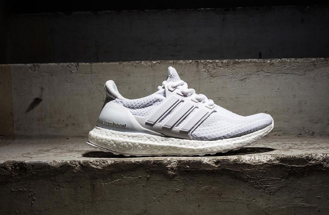 adidas ultra boost triple white first look dead stock. Black Bedroom Furniture Sets. Home Design Ideas