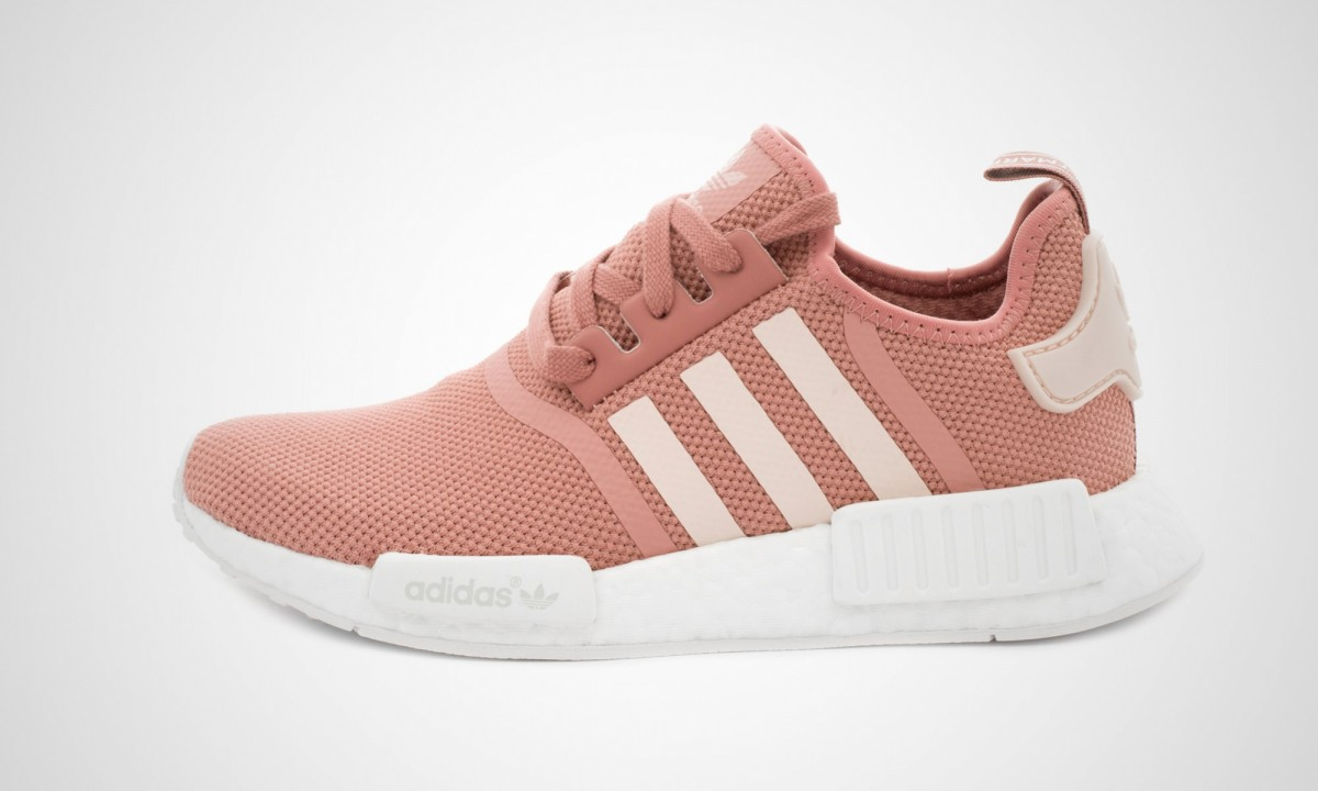 adidas nmd r1 w pink dead stock sneakerblog. Black Bedroom Furniture Sets. Home Design Ideas