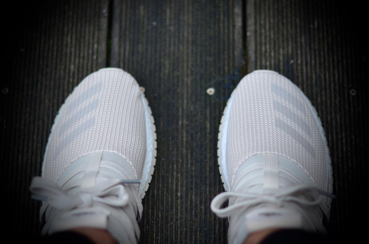 adidas pure boost r dead stock sneakerblog. Black Bedroom Furniture Sets. Home Design Ideas