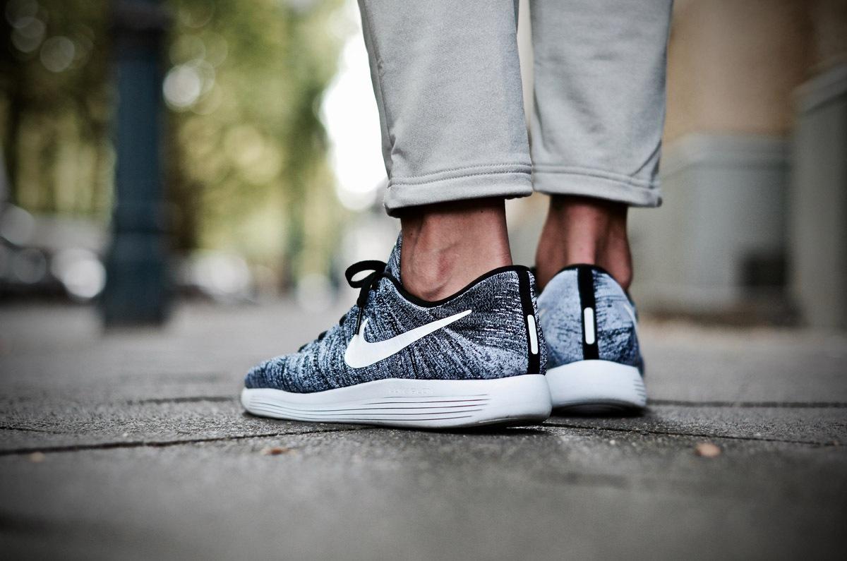 online store 50b20 5fd1a Nike LunarEpic Flyknit Low Oreo - latest pickup | Dead Stock