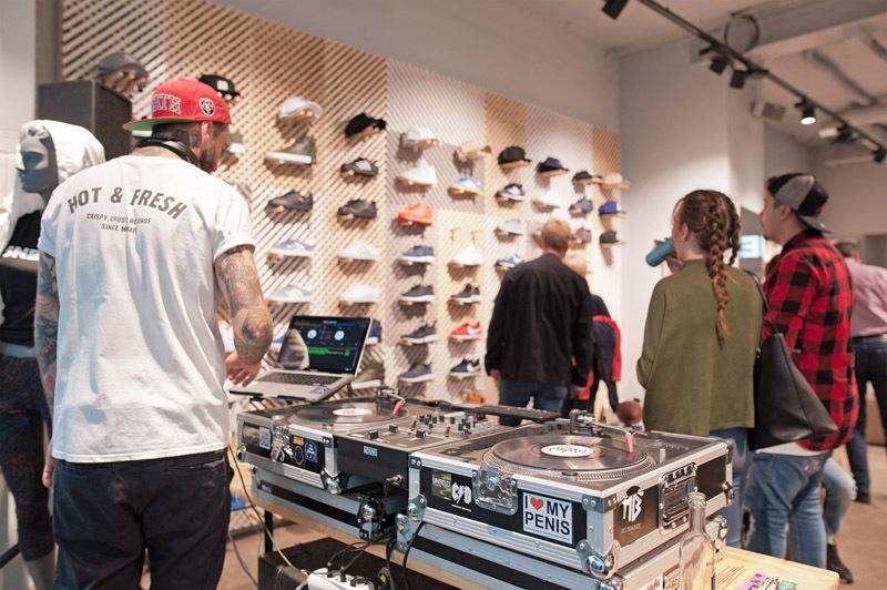 37sneaker-store-krefeld-sneakrs