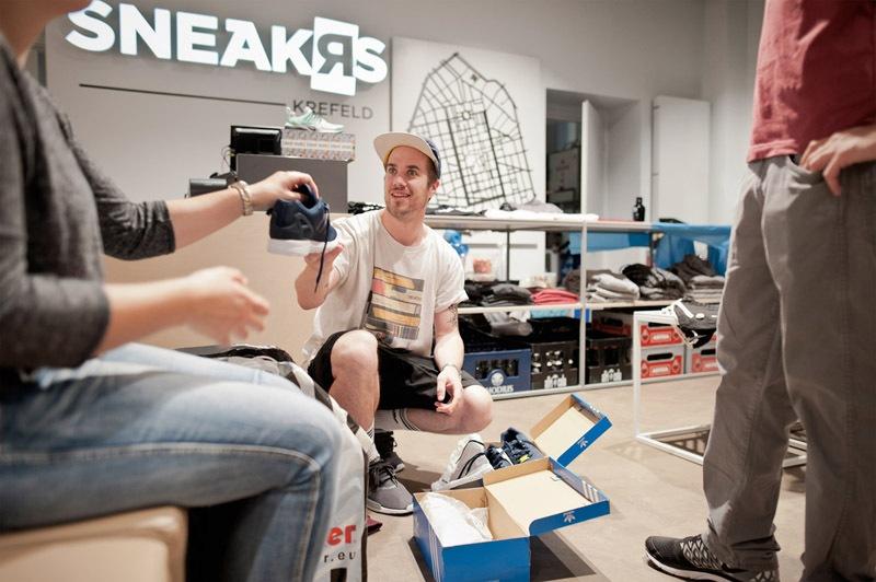 8sneaker-store-krefeld-sneakrs