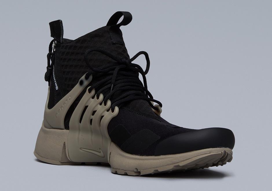 Sneakers women Nike Air Max Plus Satin (©trizitrizi