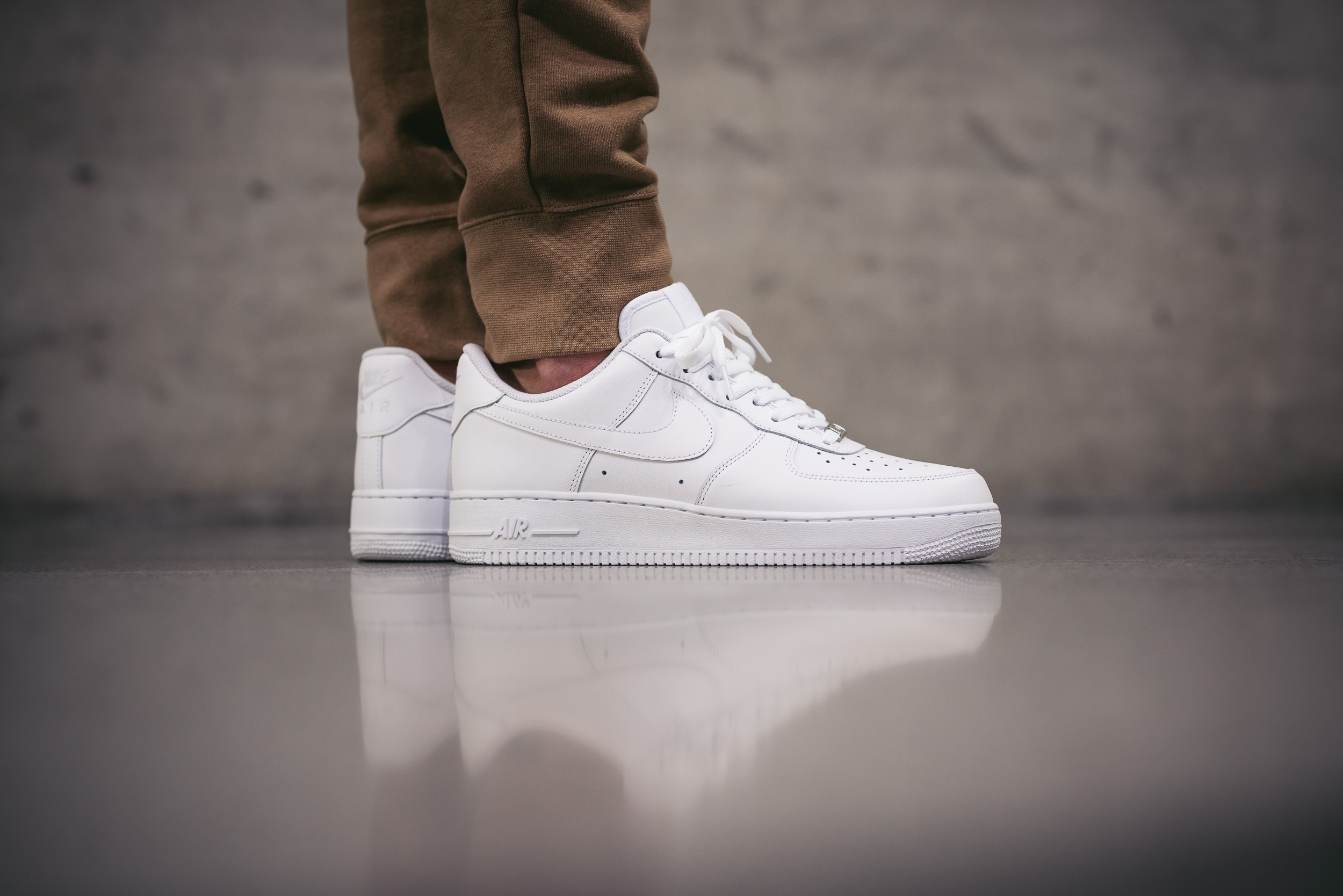 NIKE AIR FORCE 1 LOW '07 (WOMENS) DEAD STOCK NWT