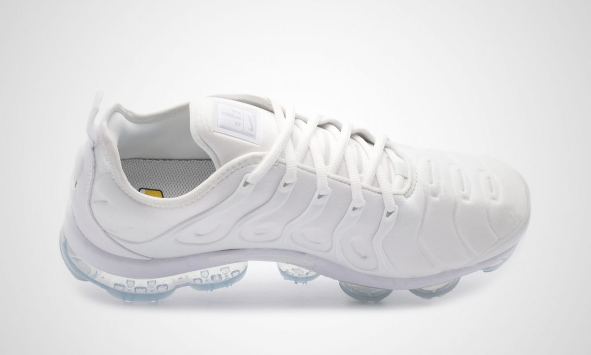 best service 1b971 4367e Nike Vapormax Plus Triple White