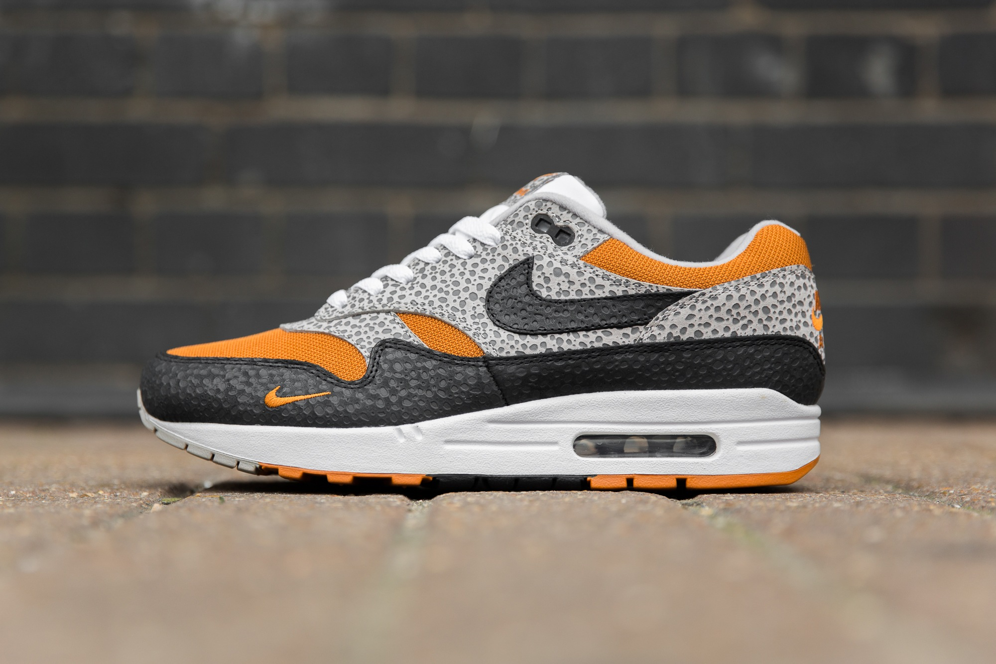 nike air max what the safari