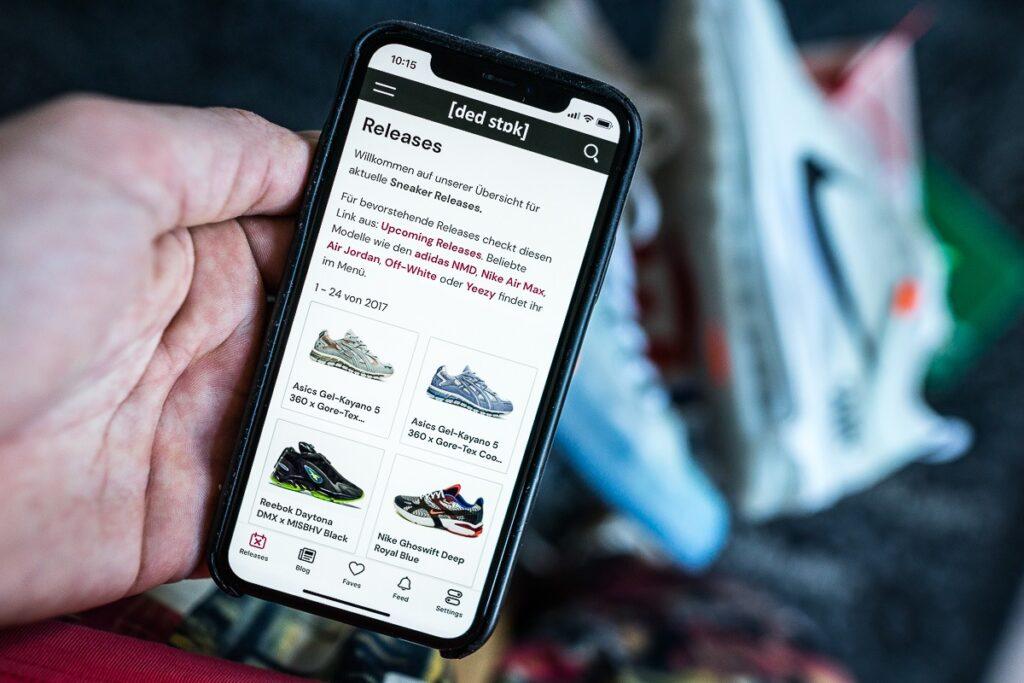 Dead Stock Sneaker App Alerts