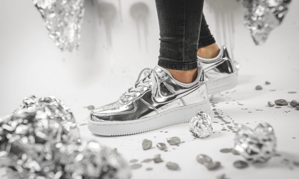 Nike WMNS Air Force 1 SP Metallic Silver