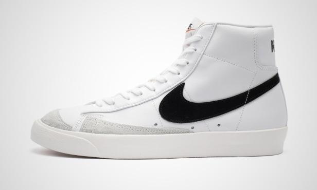 Nike Blazer Mid Black Swoosh
