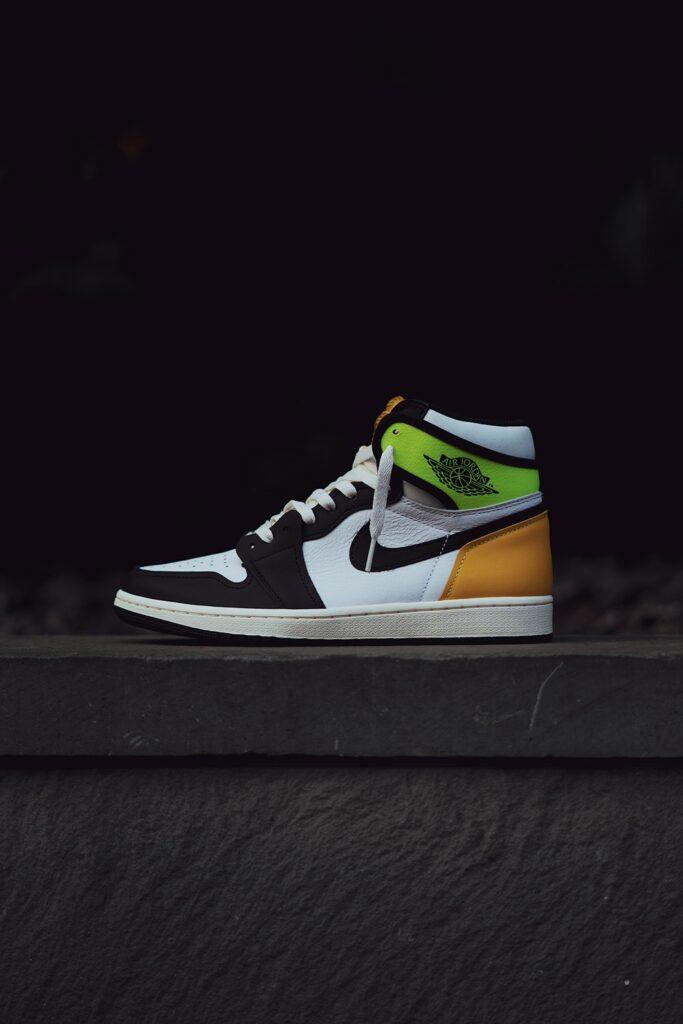 Air Jordan 1 High Volt