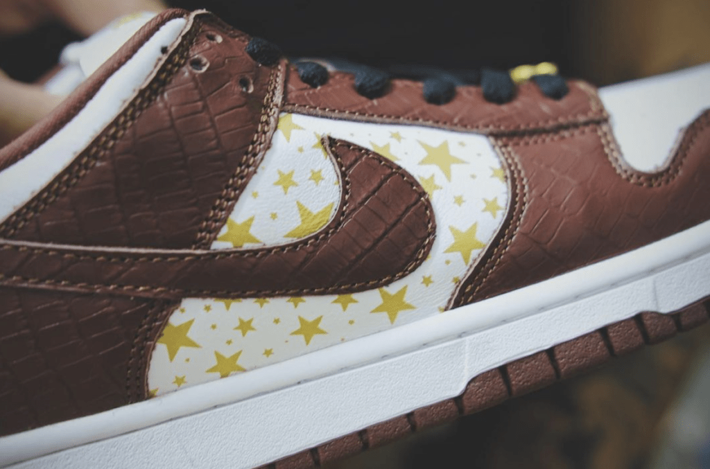 Supreme x Nike SB Dunk Low Barkroot Brown