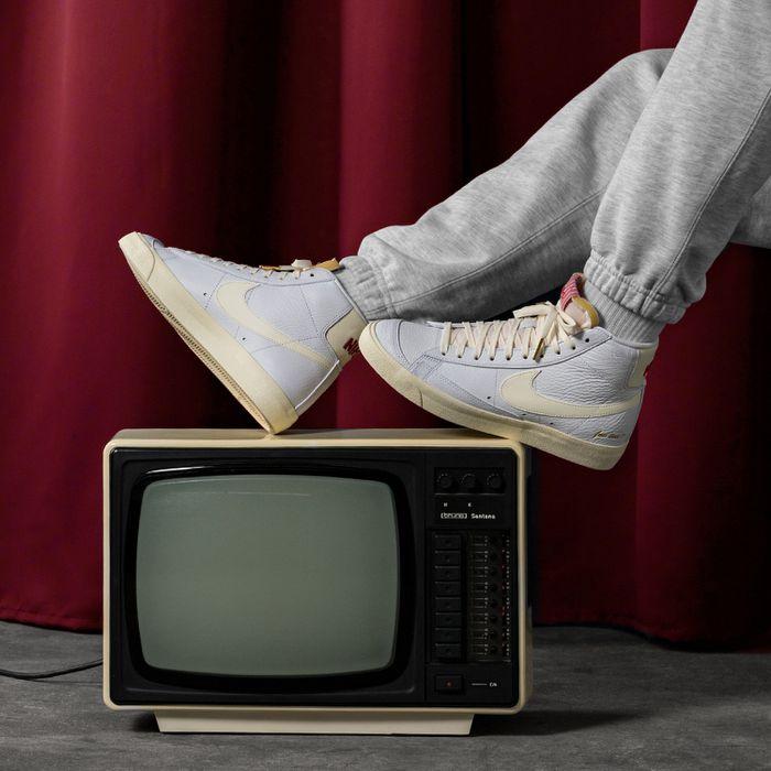 Nike Blazer Mid 77 Popcorn CW6421 100